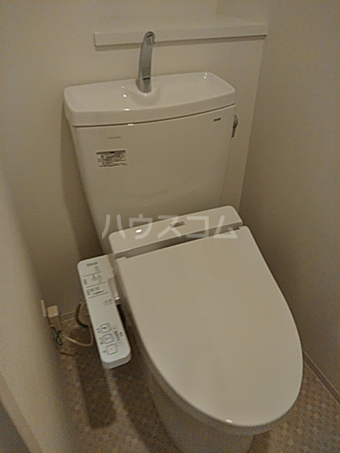 フェルクルールプレスト都立大学 302号室のトイレ