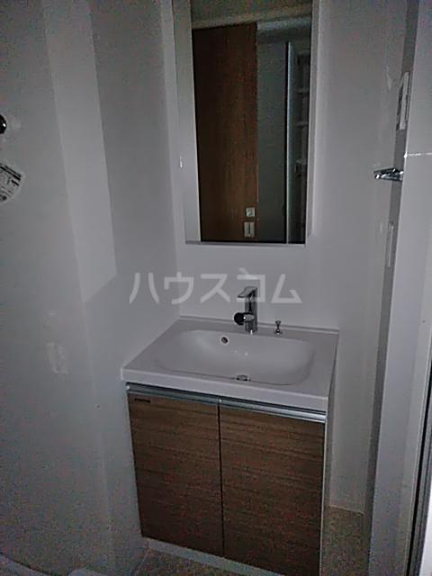 フェルクルールプレスト都立大学 304号室の洗面所
