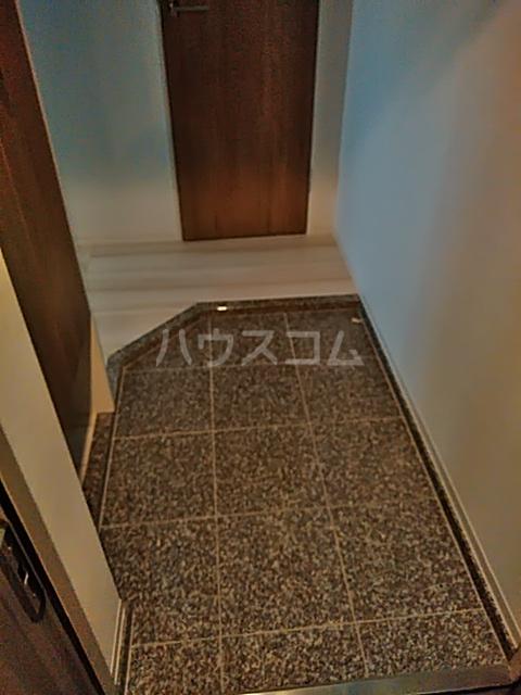 フェルクルールプレスト都立大学 401号室の玄関