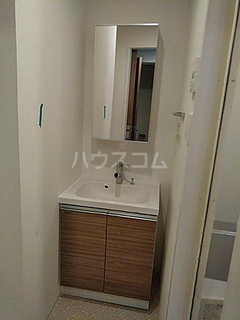 フェルクルールプレスト都立大学 401号室の洗面所