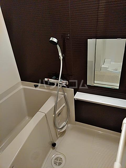 フェルクルールプレスト都立大学 401号室の風呂