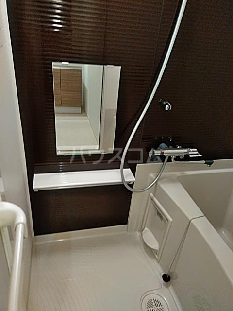 フェルクルールプレスト都立大学 502号室の風呂