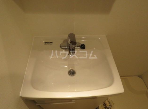 リーガランド五本木 101号室の洗面所