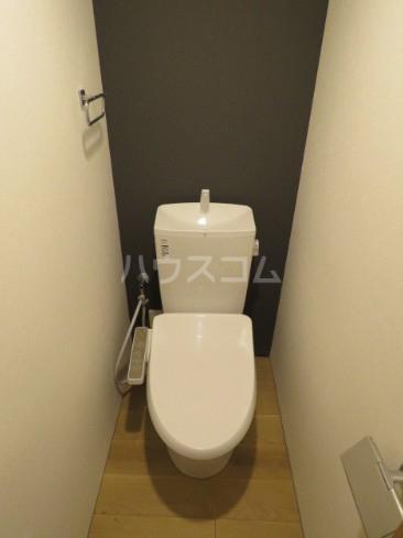 リーガランド五本木 101号室のトイレ