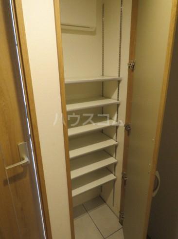 リーガランド五本木 101号室の玄関