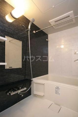 コリーヌ中根カルム 206号室の風呂