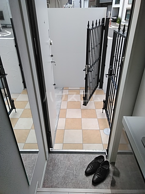 ミハス奥沢 101号室の玄関