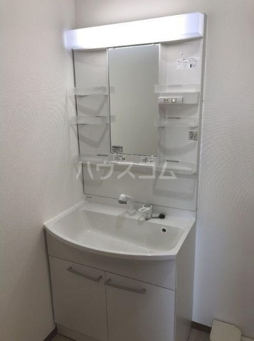 ベルエポック尾山台 202号室の洗面所