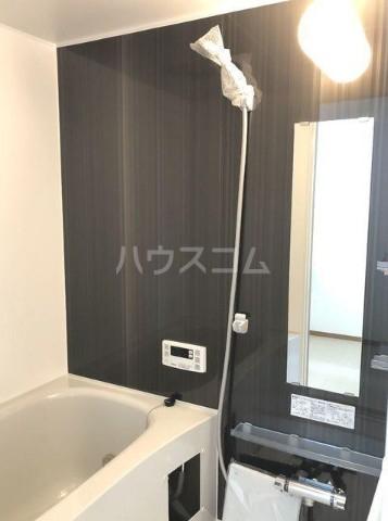 ベルエポック尾山台 202号室の風呂