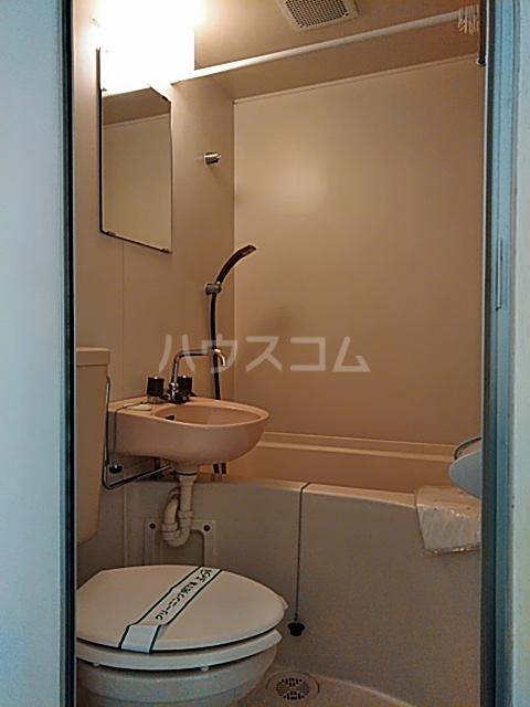 コーポカトウ 208号室の洗面所