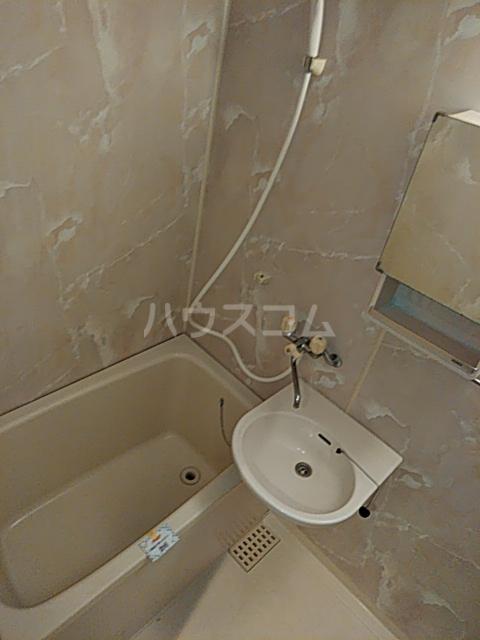 プリミネンス駒沢 A号室の風呂