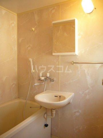 プリミネンス駒沢 B号室の風呂