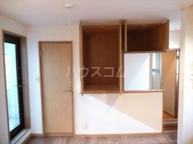 プリミネンス駒沢 B号室の収納