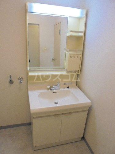 ファミール太子堂 602号室の洗面所