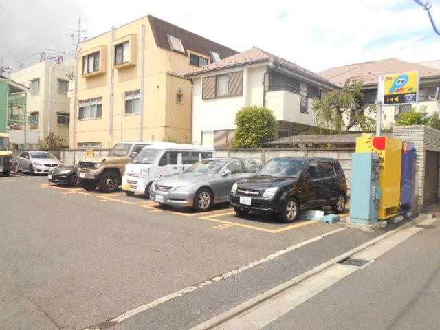 HF駒沢公園レジデンスTOWER 403号室の駐車場