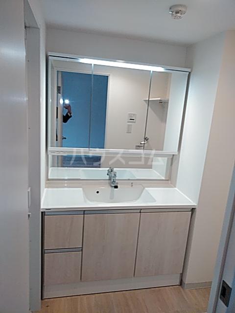 ヨークレジデンス 204号室の洗面所