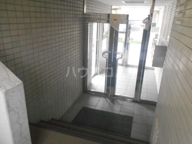 パストラル野沢壱番館 203号室のロビー