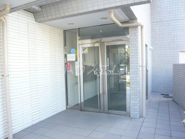 パストラル野沢壱番館 205号室のエントランス