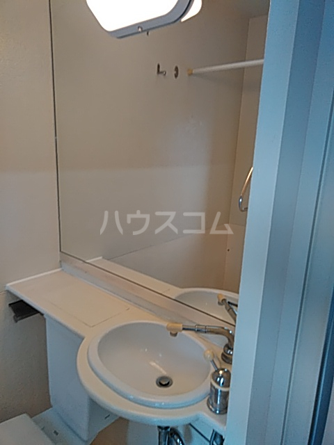 駒沢ハイツ 302号室の洗面所