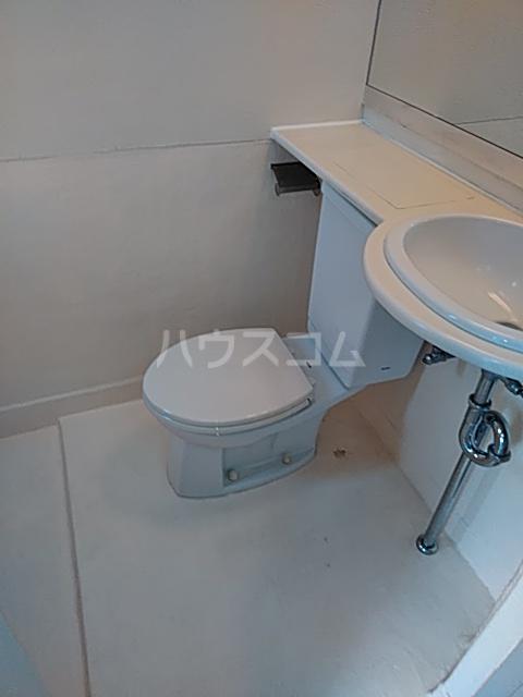 駒沢ハイツ 302号室のトイレ