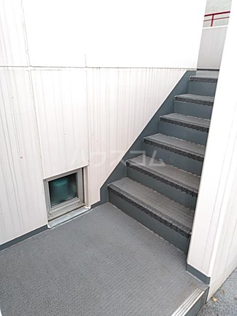 駒沢ハイツ 302号室のロビー