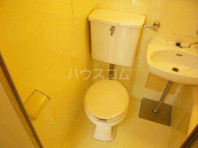 シャトレ・エルム 202号室のトイレ