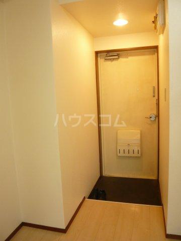 シャトレ・エルム 202号室の玄関