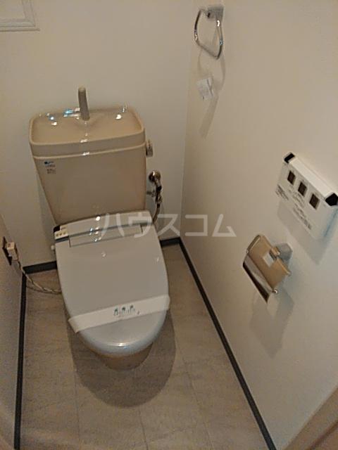 フィオーレ 401号室のトイレ