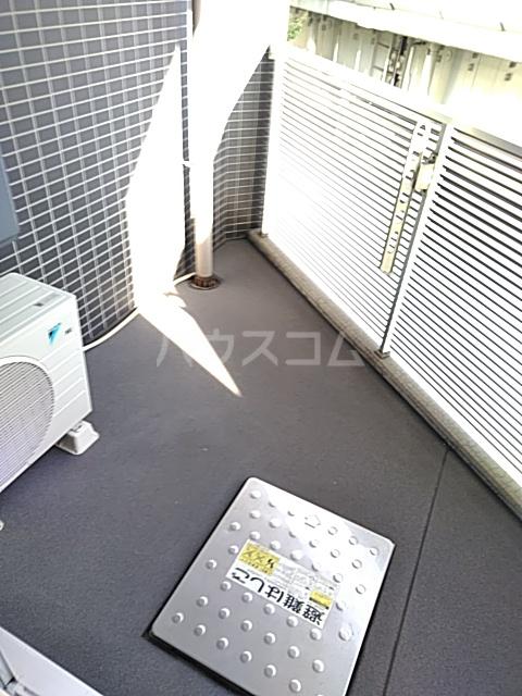 フィオーレ 401号室のバルコニー
