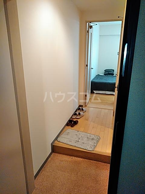 フィオーレ 401号室の玄関