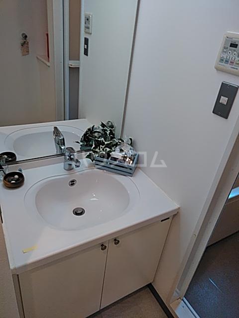 フィオーレ 401号室の洗面所