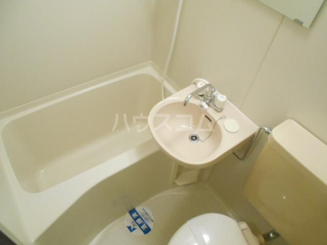 スカイコート駒沢公園 204号室の風呂