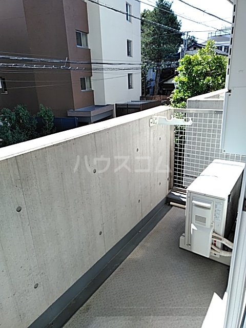 アパートメンツ駒沢大学 206号室のバルコニー