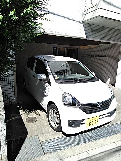 アパートメンツ駒沢大学 206号室の駐車場