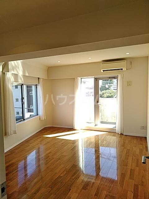 アパートメンツ駒沢大学 401号室のその他