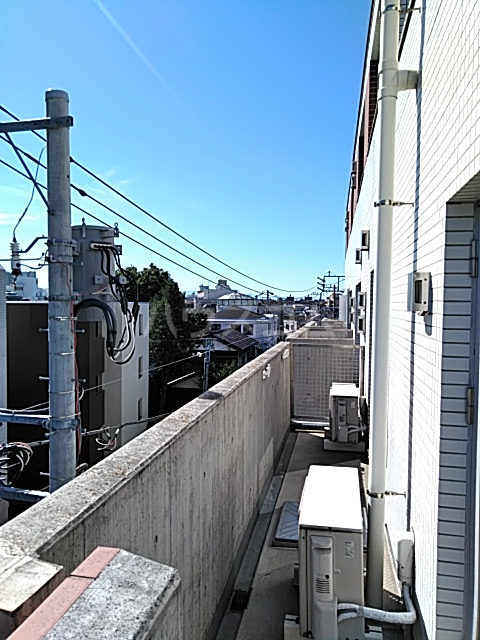 アパートメンツ駒沢大学 401号室の景色