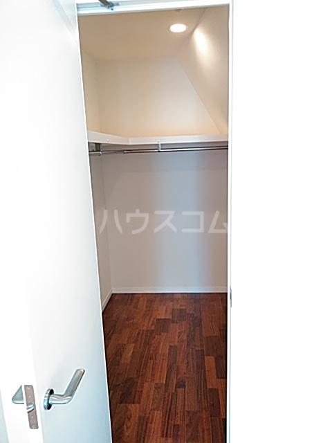 アパートメンツ駒沢大学 401号室の収納
