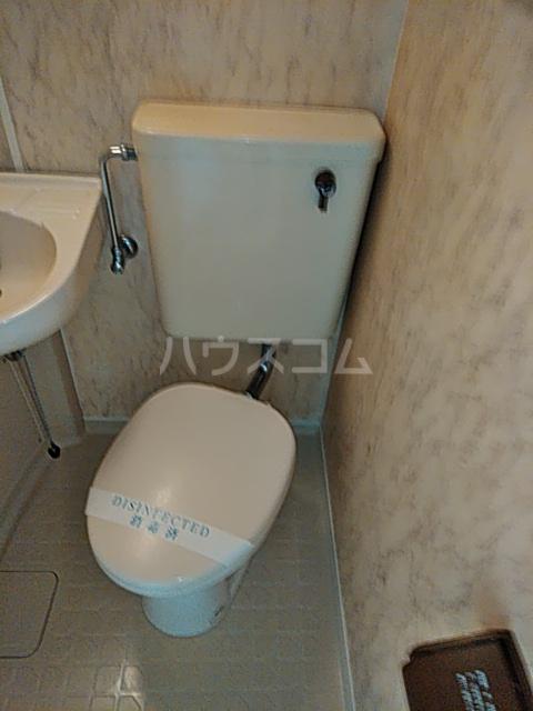 レジダンス・イン・三軒茶屋 405号室のトイレ