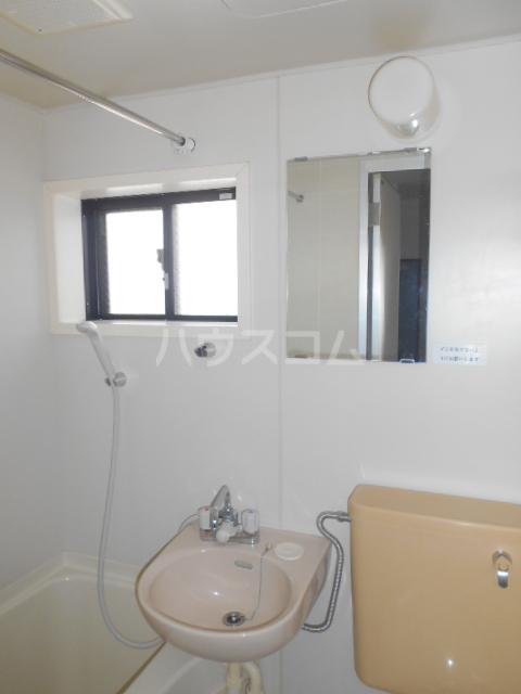エクセル下馬Ⅴ 204号室の洗面所