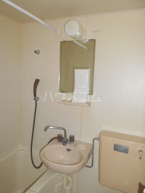 エクセル下馬Ⅲ 101号室の洗面所