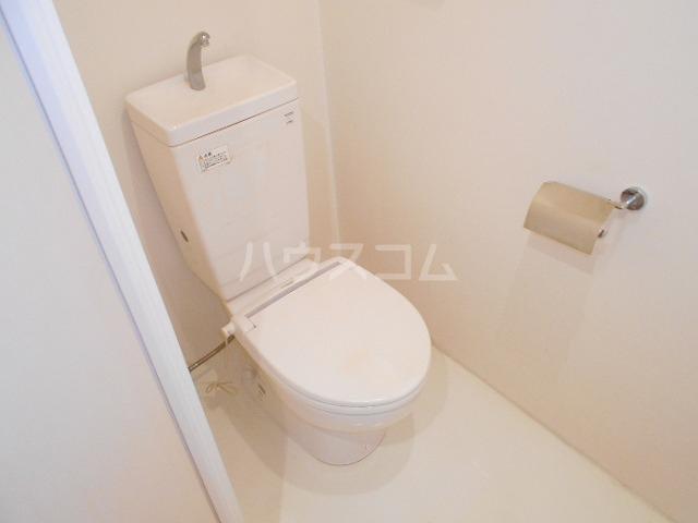 ブラン・ラファール下馬 102号室のトイレ