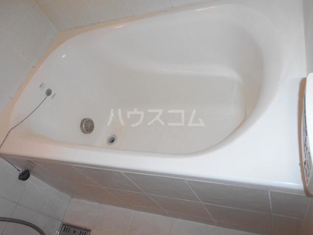ブラン・ラファール下馬 102号室の風呂