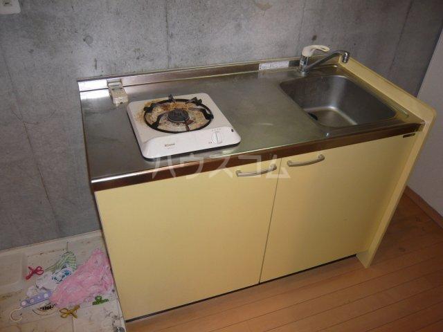 アルジオーネ池尻 106号室のキッチン