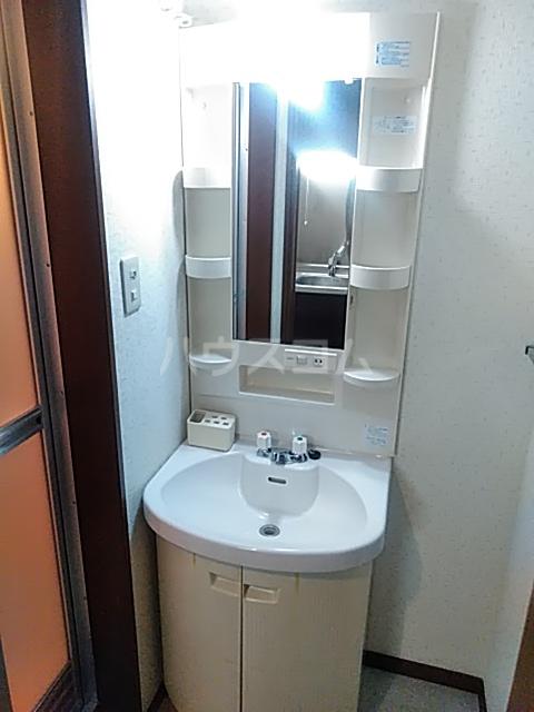 ハイツサンシャイン 102号室の洗面所