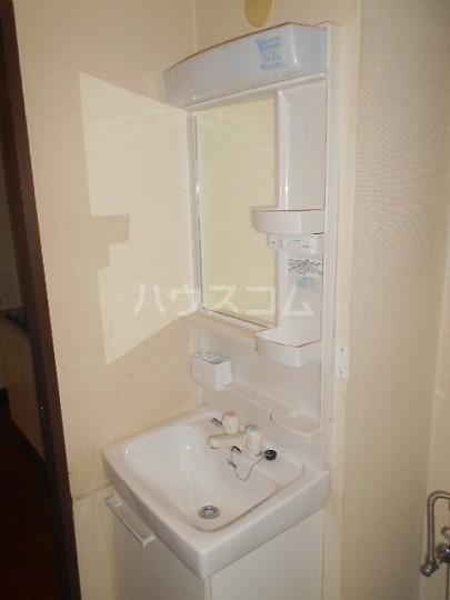 マンドレル下馬 101号室の洗面所
