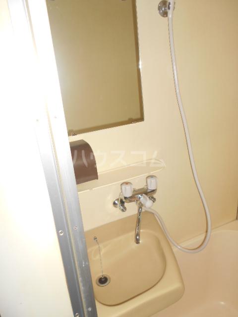 インデンス三軒茶屋Ⅲ 103号室の洗面所