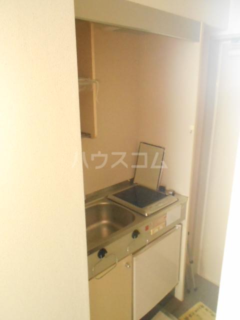インデンス三軒茶屋Ⅲ 103号室のキッチン