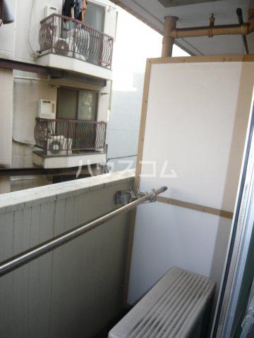 メゾン・ド・カナリ 306号室のバルコニー