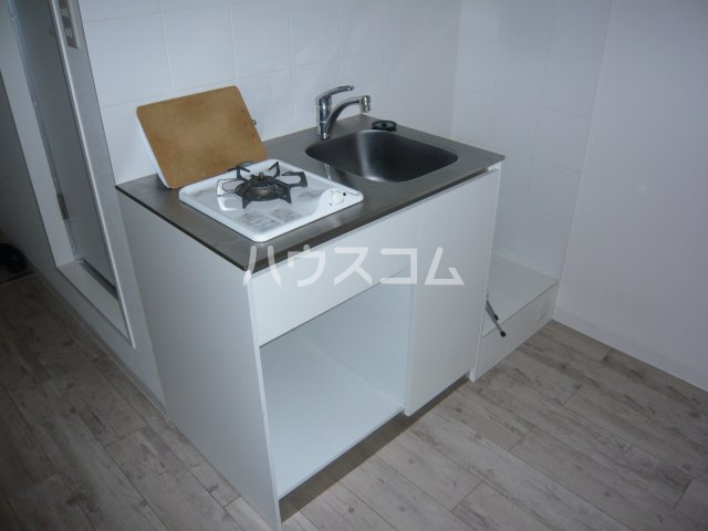 メゾン・ド・カナリ 306号室のキッチン