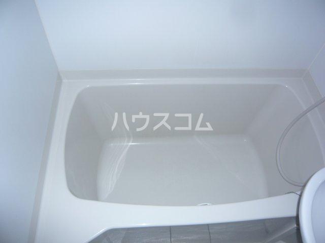 メゾン・ド・カナリ 306号室の風呂